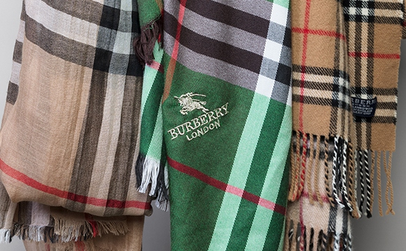 RealStyle | How To Spot A Real Burberry Scarf